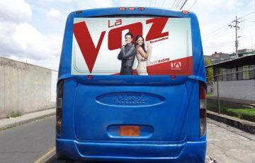 Gigantografìa - La Voz Ecuador II - Bus urbano trasera.